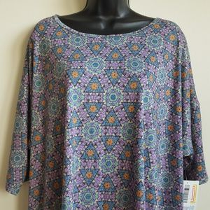 LuLaRoe Irma Plus Size Geometric Short Sleeve Top
